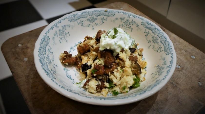 Couscous met zoete kip en aubergine, een makkelijke en snelle maaltijd. Recept van purefoodie.nl