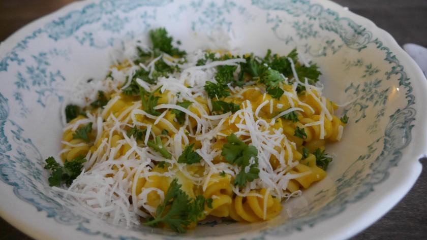 Pompoensoep als pastasaus, een recept van purefoodie.nl