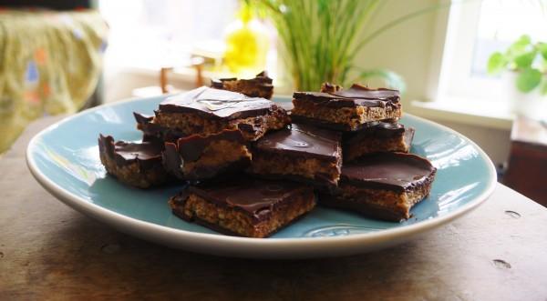 Vegan snickers, een recept van Kim op www.purefoodie.nl